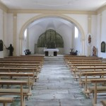 S jedinečným skleněnými oltářem